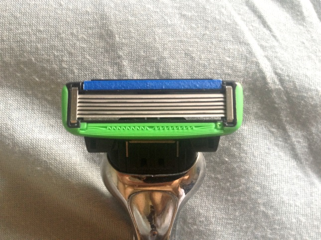 Here's the Dorco Pace 6 blade cartridge!